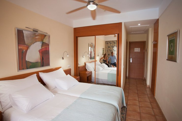 Extra comfort with sea view and airport transfers included coral cotillo beach hotel el cotillo